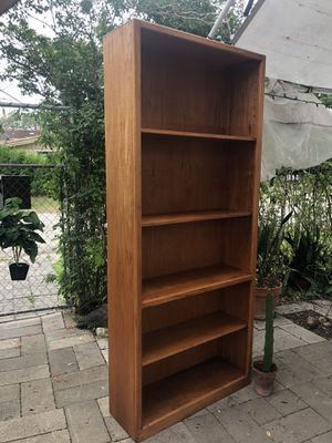 Tall solid wood bookcase with adjustable shelves for Sale in Robstown, TX