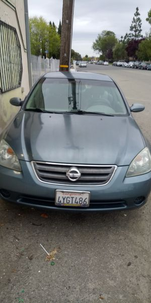 Nissan Altima 2002 clean title .( trade for van) for Sale in Hayward, CA