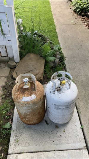 Two empty 30 Pound Propane Tanks for Sale in Parma Heights, OH