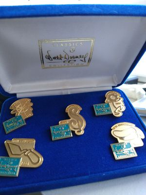 WDCC Collector's Anniversary Pins for Sale in Orlando, FL
