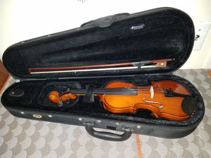 VALENCIA V400 1/8 SIZE VIOLINE WITH BOW AND CASE. for Sale in undefined