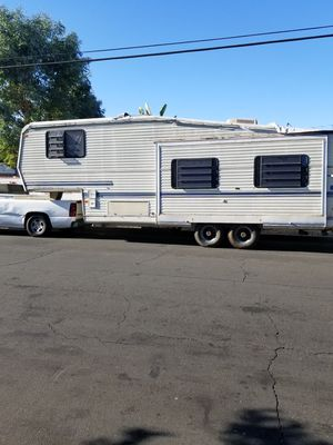 Will move your 5th wheel or trayler for 100 for Sale in Palmdale, CA