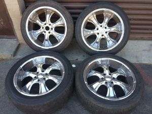 22 inch chrome rims and tires. Ford and Lincoln 6 on 135mm for Sale in Montebello, CA