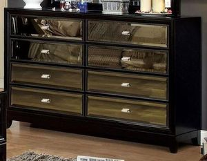 Furniture of America Golva Black Mirrored Dresser & Nightstands for Sale in Newport Beach, CA