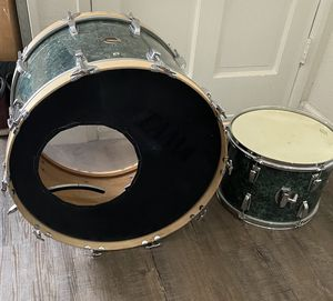 70's LUDWIG CLASSIC 2PIECE DRUMS for Sale in Fresno, CA