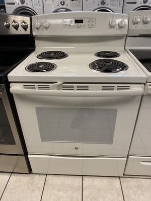 GE 4 Burner Electric Coil Range for Sale in Elkridge, MD