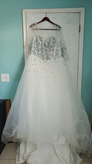 Wedding dress, prom, Quinceanera, sweet sixteen for Sale in Lockhart, FL