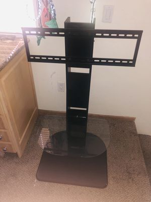 TV Stand w/ tempered glass surface for Sale in Tempe, AZ