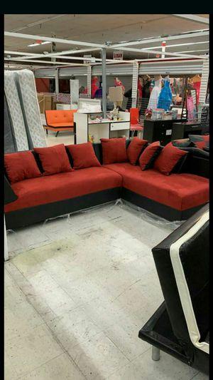 Furniture new seccional (black and white) for Sale in Miami, FL