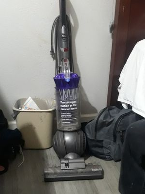 Dyson vacuum cleaner for Sale in San Antonio, TX