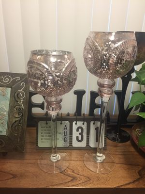 (2) glass decor for Sale in Rancho Cucamonga, CA