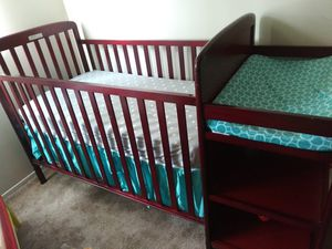 Convertible baby crib for Sale in Clinton Township, MI
