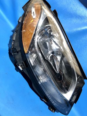 Mercedes Benz Right Headlight (P#{contact info removed}) for Sale in Detroit, MI