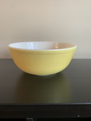 Large Pyrex Mixing Bowl—404—Primary Colors Yellow for Sale in Vienna, VA