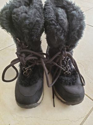 Snow boots, kids size 11 for Sale in Lakewood, CO