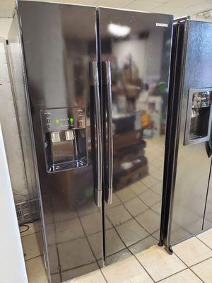 25 cu.ft Samsung side by side refrigerator for Sale in Detroit, MI