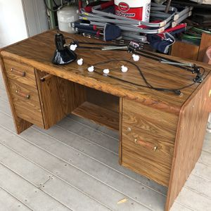 Desk for Sale in Oroville, CA