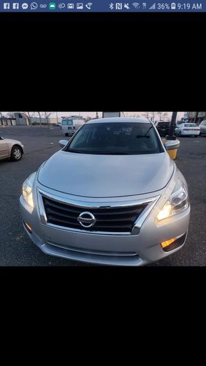 Nissan altima sedan 2.5. 4D for Sale in Silver Spring, MD