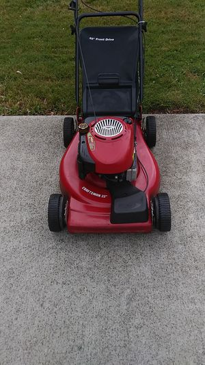 Craftsman 190cc self propelled lawn mower with a bag for Sale in Farmington Hills, MI