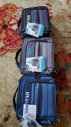 TITAN DEEP FREEZE EXPANDABLE LUNCH BOX WITH 2 ICE WALLS EACH $20 for Sale in Trenton, NJ