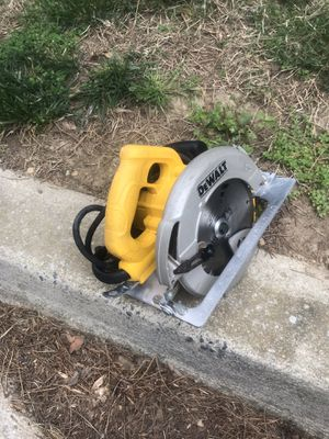 Dewalt circular saw 7 1/4 in good condition for Sale in Silver Spring, MD