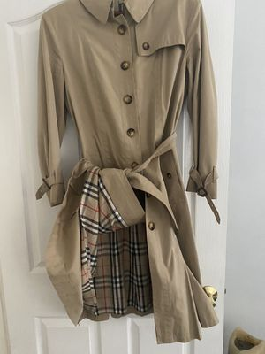 Burberry Chelsea trench coat for Sale in Whittier, CA