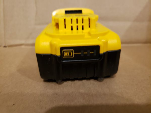 DEWALT 4AH 20V BATTERY - NEW