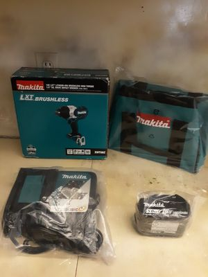 """MAKITA 18 VOLT BRUSHLESS HIGH IMPACT WRENCH 1/2"""", BATTERY 5.0AH, FAST CHARGER AND BAG. NEW. NUEVO. for Sale in Atlanta, GA"""