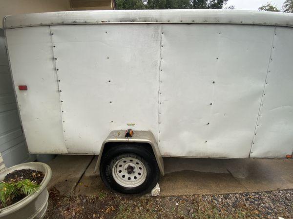 2013 6 x 12 enclosed trailer