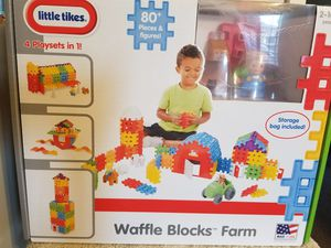 Brand New! Little Tikes Waffle Blocks Farm for Sale for sale  Norco, CA