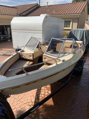 19 foot sea swirl boat for Sale in Long Beach, CA
