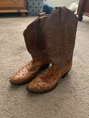 Full quill original ostrich boots size 8 in excellent condition for Sale in Riverside, CA