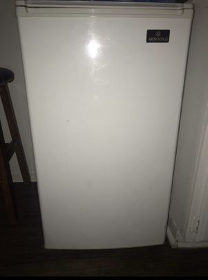 Mini Fridge/ Freezer for Sale in Gardena, CA