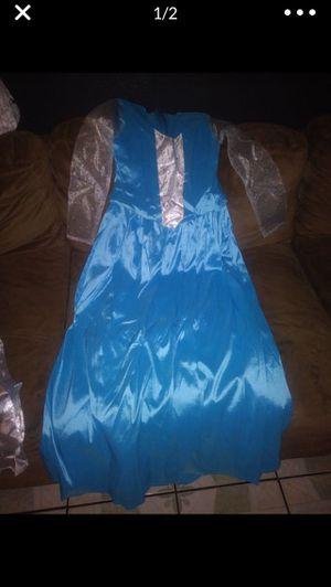 Medium Frozen Dress for Sale in Moreno Valley, CA