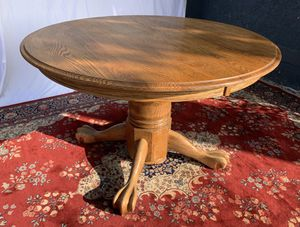 """Round solid oak """"claw foot"""" kitchen table with removable leaf for Sale in Los Angeles, CA"""