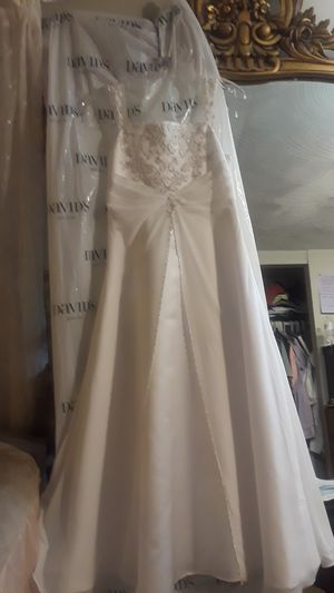 Davids Bridal flower girl dress for Sale in Laurel, MD