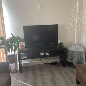 Living Room Set- SUPER GOOD DEAL for Sale in San Diego, CA