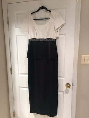 BRAND NEW SIZE 8 WOMANS DRESS BRAND NEW WITH TAG for Sale in Princeton, NJ