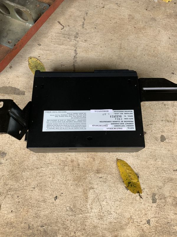 2005 Ford Escape radio