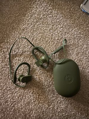 Beats Bluetooth headphones for Sale in Mooresville, NC