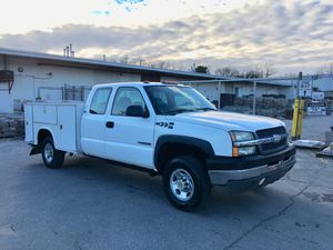 2005 Chevy Silverado hd2500 utility bed ext cab 4door 4x4 runs great for Sale in Gaithersburg, MD