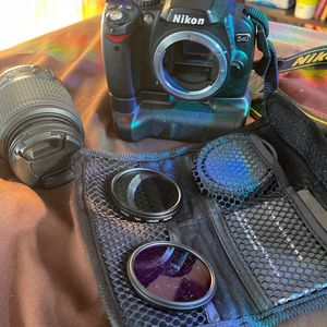 Nikon D40 With NikonDX Lense Plus Some Filters for Sale in Brooklyn, NY