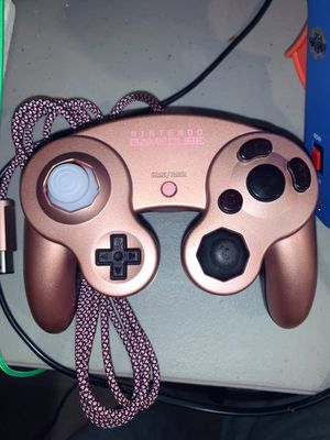 """""""Rose Gold"""" Custom Nintendo GameCube Controller (Pinker in Person) for Sale in Chicago, IL"""