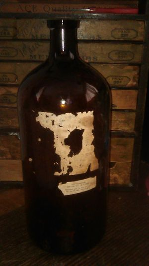 Antique Large Bottle for Sale in Long Beach, CA