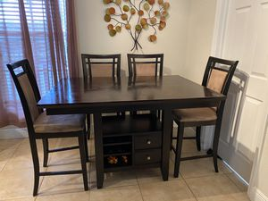 Kitchen table and chairs for Sale in Fort Lauderdale, FL