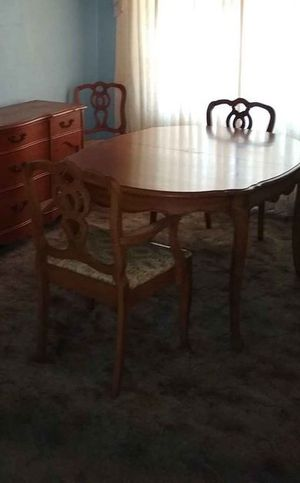 Dining Room table with chairs for Sale in Winter Haven, FL