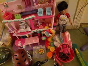 Miscellaneous toys, make-up for Sale in Pawtucket, RI