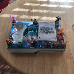 Sky landers figures /Wii for Sale in Pflugerville,  TX