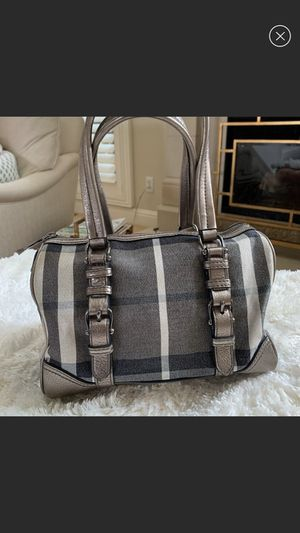 Burberry signature handbag* shipping only for Sale in San Antonio, TX