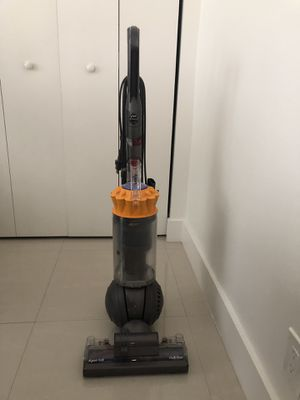 DYSON MULTI FLOOR VACUUM for Sale in North Bay Village, FL